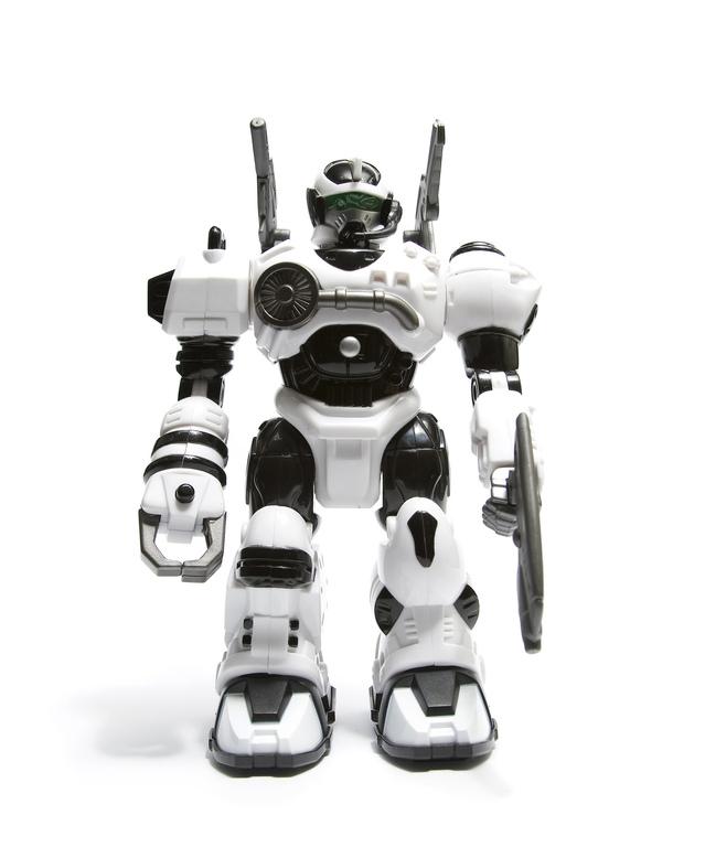 robot-1416121-639x777